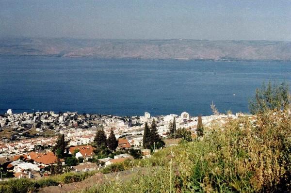 انخفاض منسوب بحيرة طبريا تحت الخط الاحمر السفلي