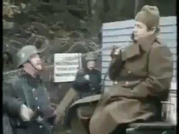 فيديو : اغبى جنود بالعالم